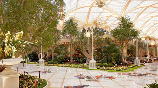 Encore-at-Wynn-atrium