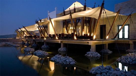 plus bel hotel bahrein les plus beaux h tels du monde. Black Bedroom Furniture Sets. Home Design Ideas
