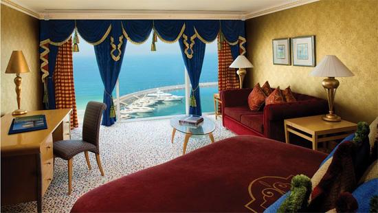 jumeirah-beach-hotel-3.jpg