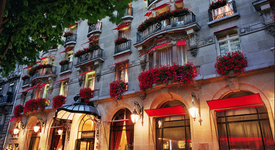 plaza-athenee-paris-1.jpg
